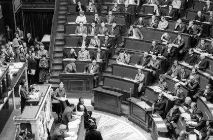 40 ans après la loi Veil, des femmes partent encore avorter à l'étranger