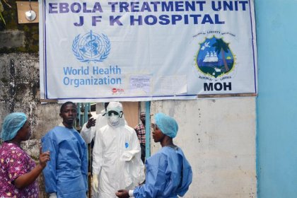 Ebola: les personnels de santé menacent de se désagréger sous le choc