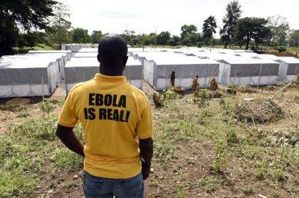Ebola conduit le Liberia au bord du chaos