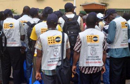 Ebola: médecins et volontaires guinéens déployés aux frontières