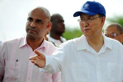 En visite en Haïti, Ban Ki-moon promet d'éradiquer le choléra