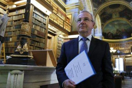 Fin de vie: un rapport prévoyant de nouveaux droits remis à Hollande