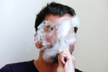 Cigarette électronique: Touraine pour l'interdiction dans