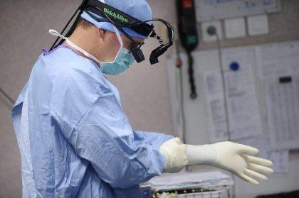 Espagne: nouvelle greffe complexe du visage avec 45 professionnels impliqués