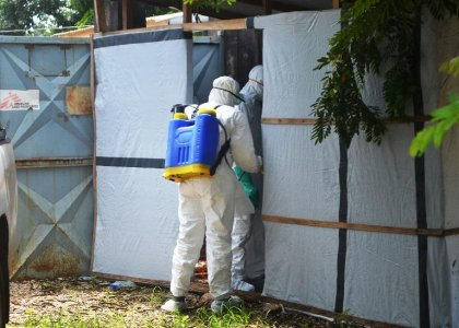 Ebola: l'épidémie en Afrique va durer encore plusieurs mois selon l'OMS