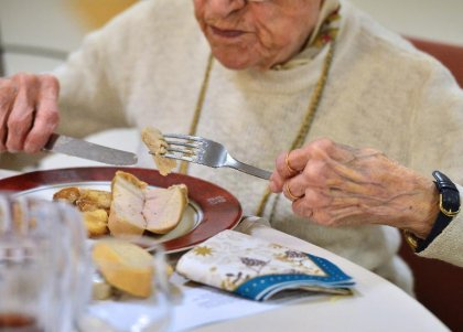 Seniors en danger: la dénutrition trop souvent au menu des maisons de retraite