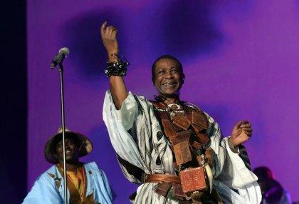 Ebola en Guinée: un concert du chanteur Youssou Ndour à Conakry reporté