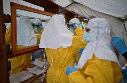 Ebola: la Sierra Leone va confiner sa population pour endiguer l'épidemie