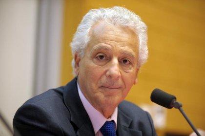 Le rapporteur public pour la confirmation de la radiation du Dr Dukan