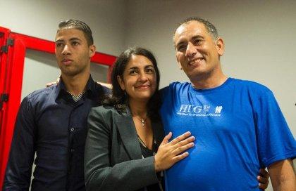 Ebola: guéri, le médecin cubain arrivé à La Havane via Paris