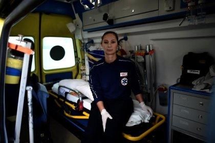 Grèce: course contre la montre et pénuries pour l'ambulance de Samos