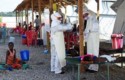 Ebola: un médecin italien contaminé en Sierra Leone