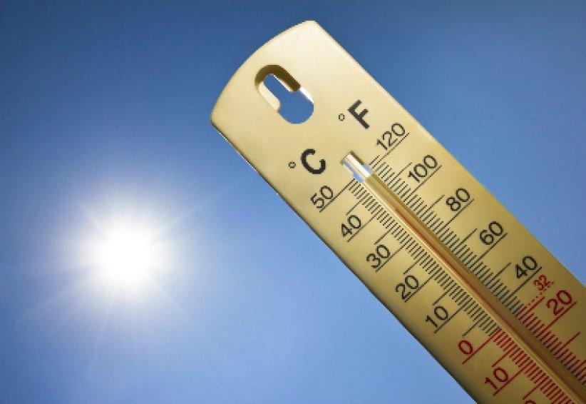 Le plan national canicule a été activée début juin avec les messages traditionnels en cas de hausse de température: maintenir les logements frais, boire régulièrement, passer du temps dans les endroits climatisés comme les centre commerciaux.