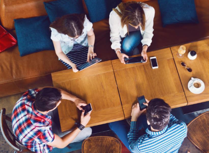 L'époque étant à l'ultra-connexion, nous perdons l'habitude - voire la capacité - de converser.