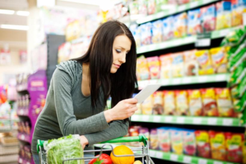 Pour éviter les achats impulsifs, préparez une liste à l'avance et ne faites pas vos courses le ventre vide.
