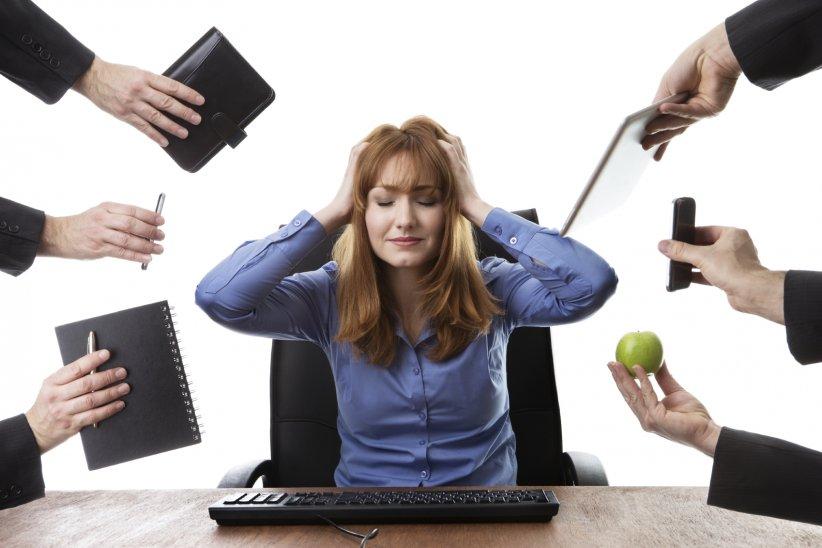 Comment différencier un gros coup de fatigue d'un véritable syndrome d'épuisement professionnel ? Soyez vigilant(e), et sachez repérer ces cinq signes parmi votre entourage... Ou en vous-même.