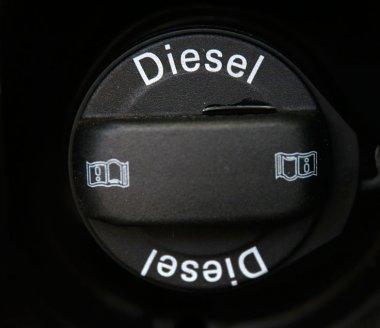 Pas de rapprochement de la fiscalité de l'essence et du diesel en 2016 ?