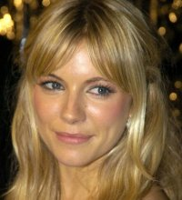 Sienna Miller : évolution capillaire d'une jolie blonde