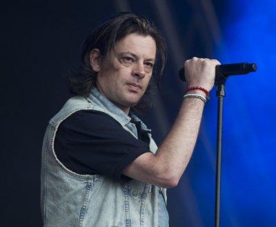 Benjamin Biolay quitte le label Naïve pour Barclay