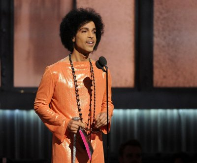 "Prince annonce la sortie de ""The Hit & Run Album"""