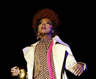 """Lauryn Hill reprend """"Ne me quitte pas"""" de Jacques Brel en hommage à Nina Simone"""