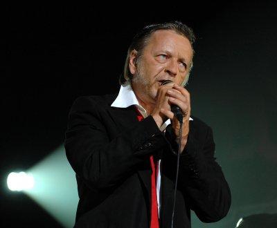Renaud : deux nouvelles chansons en préparation