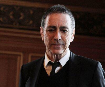"Alain Chamfort : son tube ""Manureva"" ressort en version remixée"