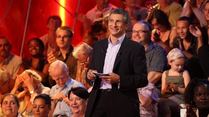 FRANCE 2, Tout le monde veut prendre sa place, 11h55 - 12h50, Divertissement, Accéder à la TV en direct