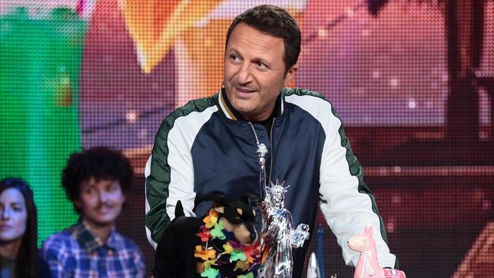 TF1, Vendredi, tout est permis avec Arthur, 0h50 - 2h50, Divertissement, Accéder à la TV en direct