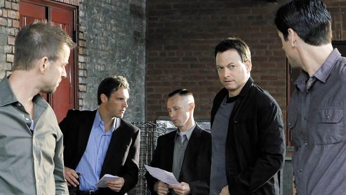 TF1, Les experts : Manhattan, Interdit aux moins de 10 ans, 0h00 - 0h55, S07E22 - Dernier dossier, Accéder à la TV en direct