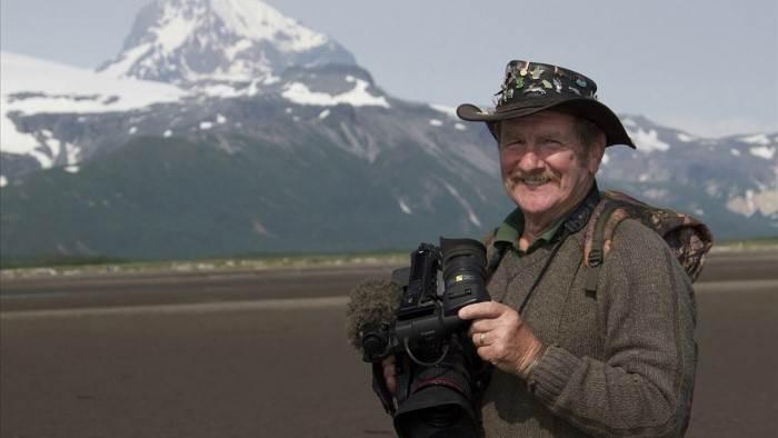 Johnny Kingdom et l'ours d'Alaska