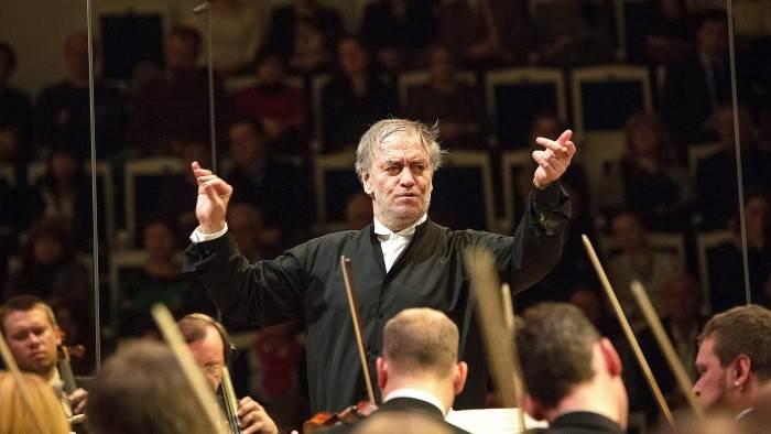 Valery Gergiev dirige Chostakovitch