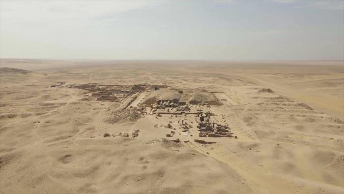 Les mystérieux textes des pyramides