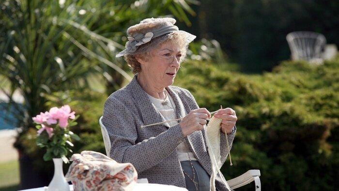 TMC, Miss Marple, 15h40 - 17h35, S03E03 - Miss Marple, Accéder à la TV en direct