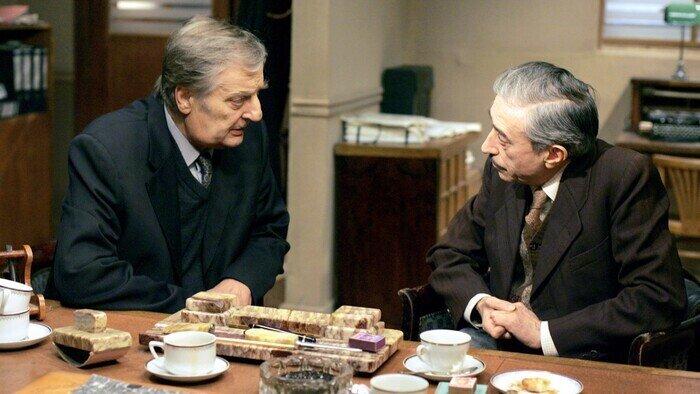 C8, Maigret, 15h52 - 17h51, S00E54 - Maigret, Accéder à la TV en direct