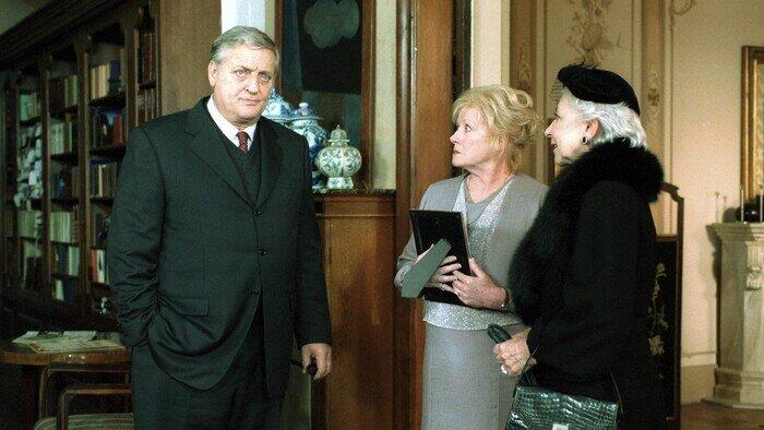 C8, Maigret, 17h51 - 19h35, S00E42 - Maigret, Accéder à la TV en direct