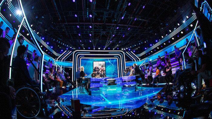 C8, TPMP - Le before, 19h09 - 19h41, Divertissement, Accéder à la TV en direct
