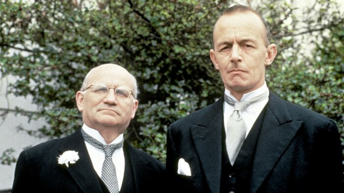TMC, Hercule Poirot, 17h35 - 18h30, S03E03 - Hercule Poirot, Accéder à la TV en direct