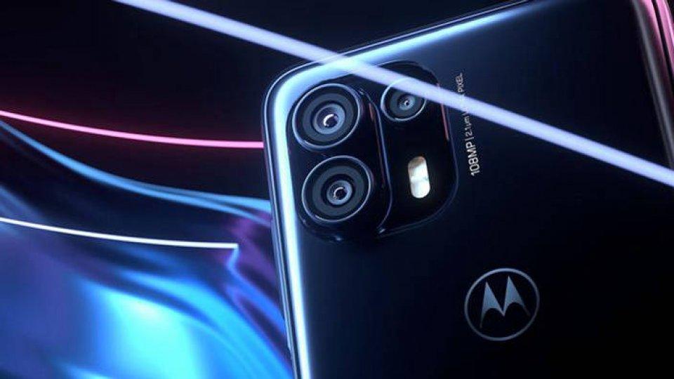 #321 : Motorola fait son retour avec une
