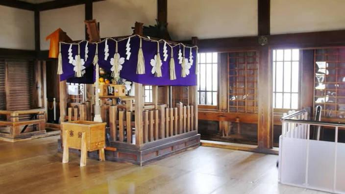 70. Les 6 étages du Château de Himeji
