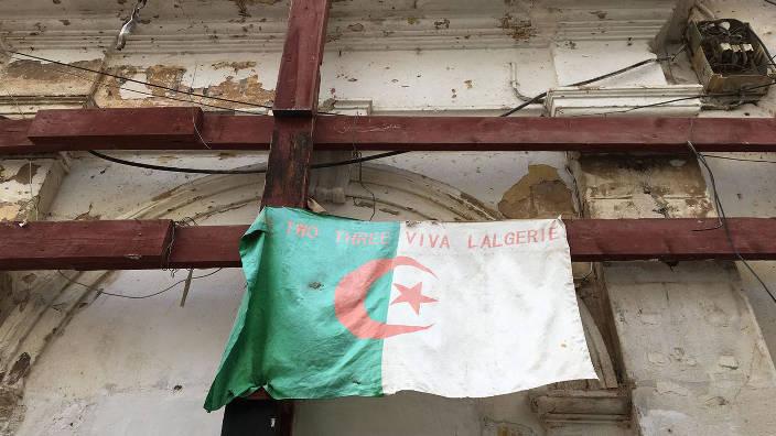 Algérie : un an après, la grande désillusion /