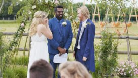 image du programme Bobby & Harriet Get Married