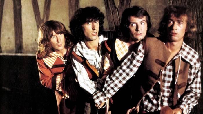 Image du programme Les quatre Charlots mousquetaires