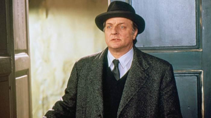 Image du programme Les enquêtes du commissaire Maigret S01