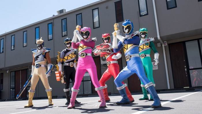 Image du programme Power Rangers Dino Super Charge