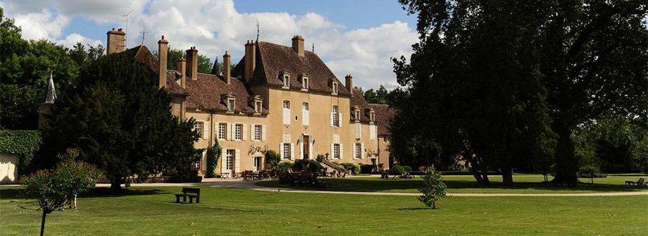 VAULT-DE-LUGNY : TOUT LE CHARME D'UN AUTHENTIQUE CHÂTEAU