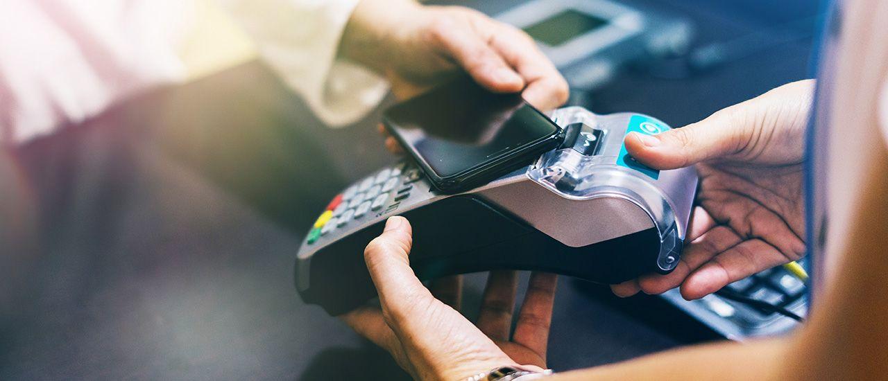 Smartphone, montre : les avantages des objets connectés comme moyens de paiement