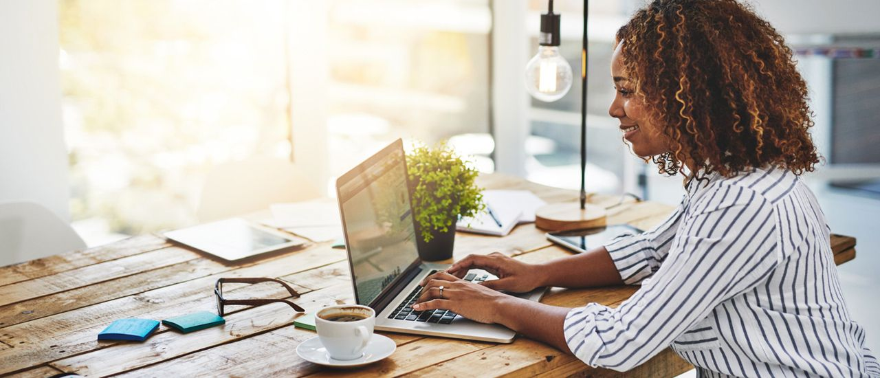 Travailler au mois d'août : avantages et inconvénients