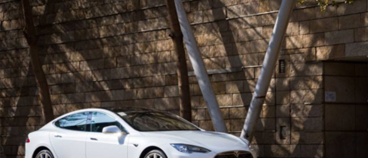 Tesla : des voitures électriques, connectées et performantes